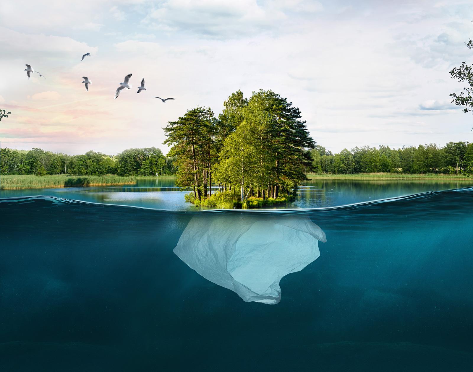 Montage Underwater Pollution